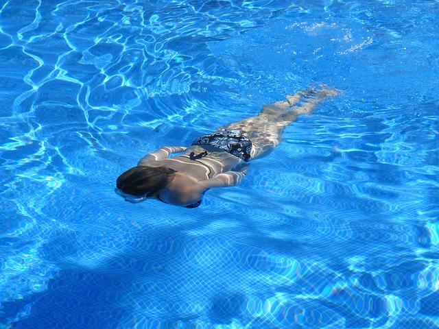 plavání pod hladinou